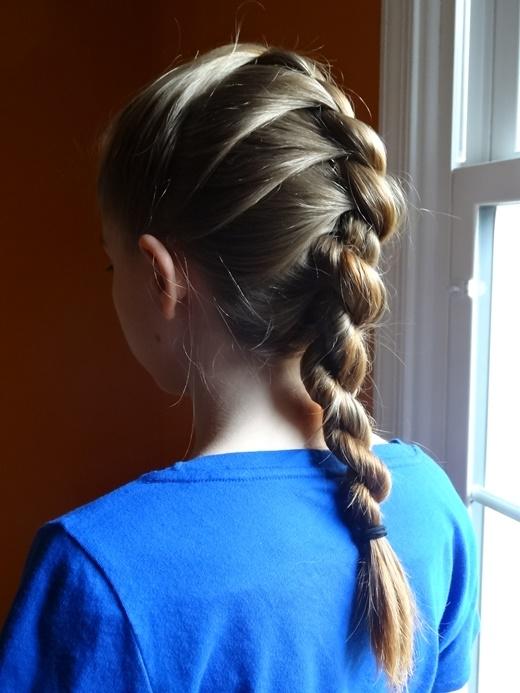 Tóc đang ướt vẫn có thể tạo kiểu tuyệt đẹp