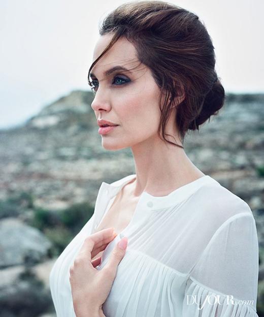Angelina Jolie là người phụ nữ được ngưỡng mộ nhất thế giới