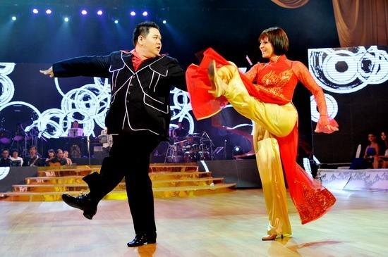 Minh Béo và bạn nhảy Lily trong chương trình Bước nhảy hoàn vũ 2012 - Tin sao Viet - Tin tuc sao Viet - Scandal sao Viet - Tin tuc cua Sao - Tin cua Sao