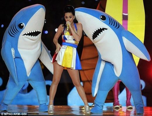 Lộ ảnh hotboy cá mập nhảy cùng Katy Perry