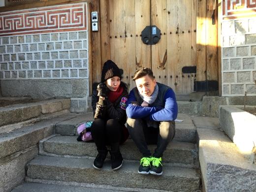 Ngô Kiến Huy và Khổng Tú Quỳnh cũng ở lại Hàn Quốc thêm 2 ngày tranh thủ du lịch chung, họ có một ngày cùng đến bảo tàng nghệ thuật để thưởng thức - Tin sao Viet - Tin tuc sao Viet - Scandal sao Viet - Tin tuc cua Sao - Tin cua Sao