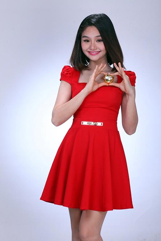 Bằng những cố gắng của bản thân, Miu Lê vinh dự là ca sĩ 2 năm liên tiếp nằm trong đề cử giải Ca sĩ triển vọng của Làn Sóng Xanh 2012 và 2013. - Tin sao Viet - Tin tuc sao Viet - Scandal sao Viet - Tin tuc cua Sao - Tin cua Sao