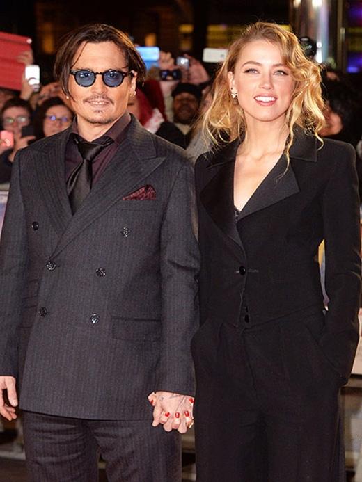 Johnny Depp bí mật đám cưới với vợ trẻ hơn... 20 tuổi