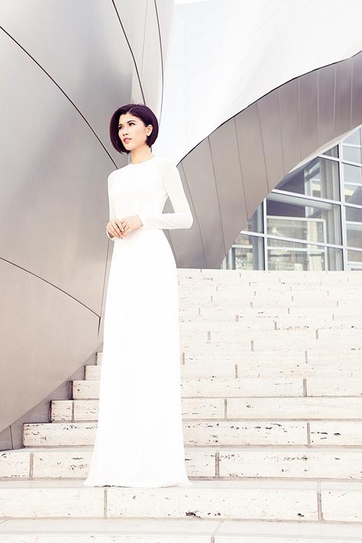 Sở hữu chiều cao lý tưởng cùng thân hình mảnh mai, Trang Lạ dễ dàng phù hợp với nhiều phong cách thời trang.