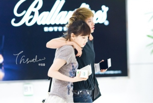 """Fan háo hức mong chờ màn """"phá đảo"""" của cặp đôi Taeyeon – Amber"""
