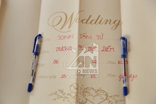Không gian tiệc cưới được bày trí khá đơn giản nhưng mang lại cảm giác ấm cúng và thân mật. - Tin sao Viet - Tin tuc sao Viet - Scandal sao Viet - Tin tuc cua Sao - Tin cua Sao