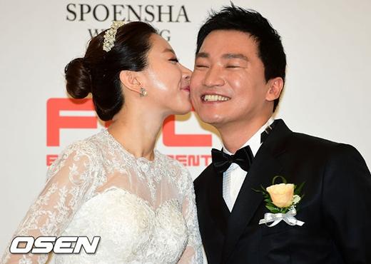 Kim So Eun khoe sắc trong đám cưới của ngôi sao Hoàng hậu Ki.