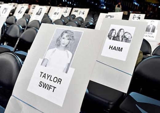 "Taylor Swift ""đụng mặt"" Katy Perry ở giải Grammy?"