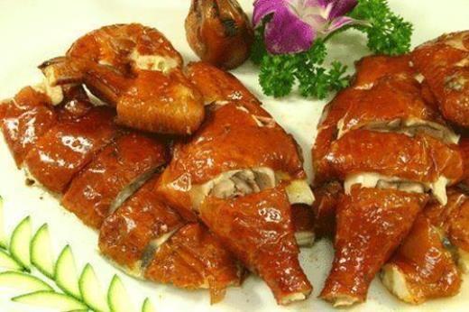 Thịt gà được coi là thực phẩm lý tưởng trước khi uống rượu. Thực phẩm này giúp cân bằng lượng đường và cung cấp năng lượng cho bạn trong thời gian dài.