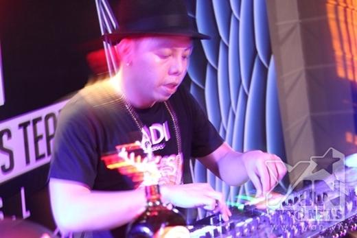 và DJ Touliver - Tin sao Viet - Tin tuc sao Viet - Scandal sao Viet - Tin tuc cua Sao - Tin cua Sao