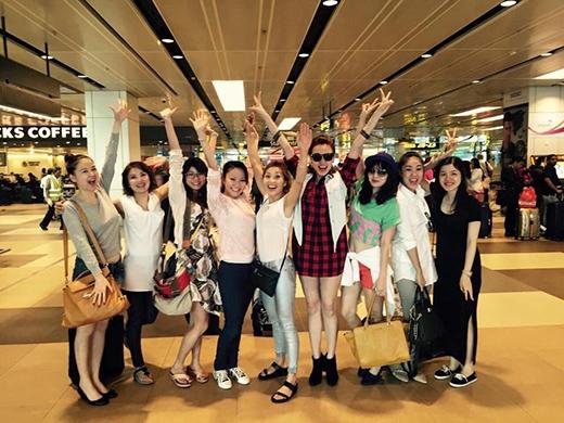 Ngân Khánh và nhóm bạn gái đi Singapore để mở tiệc độc thân. - Tin sao Viet - Tin tuc sao Viet - Scandal sao Viet - Tin tuc cua Sao - Tin cua Sao