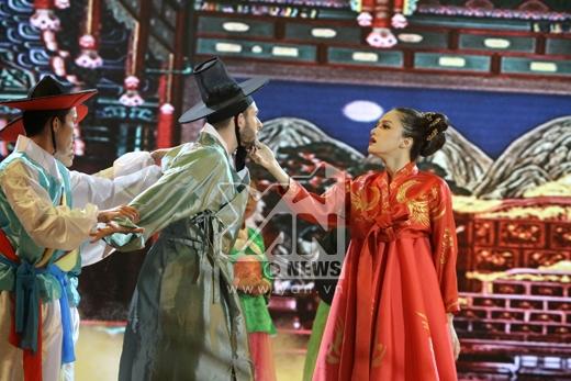Cặp đôi nhảy Pasodoble và Tango trên nền nhạc phim 'Nàng Dae Jang Geum'. - Tin sao Viet - Tin tuc sao Viet - Scandal sao Viet - Tin tuc cua Sao - Tin cua Sao