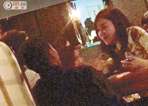 Tiffany (SNSD) chè chén cùng bạn bè ở Lan Quế Phường