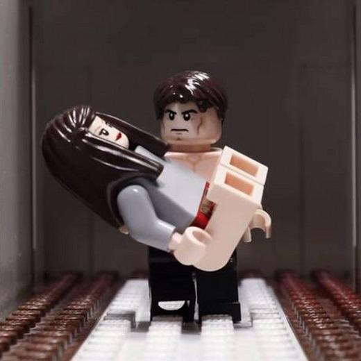 Một số người cho rằng phiên bản Lego này hấp dẫn hơn nhiều so với phiên bản người đóng của bộ phim chuyển thế từ tiểu thuyết ăn khách này.