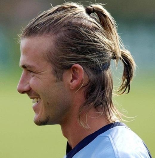 10. Kiểu tóc đuôi ngựa bị chê nhiều hơn khen trong thời gian Beckham khoác áo Real Madrid năm 2003 xếp ở vị trí thứ 10.