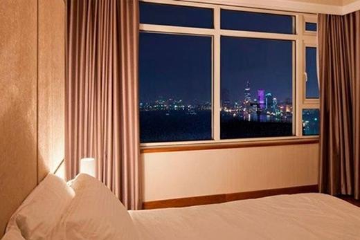 Không gian bên ngoài của phòng ngủ cũng rất đẹp, giúp Thái Hà nhìn được nhiều cảnh đẹp của TP.HCM. - Tin sao Viet - Tin tuc sao Viet - Scandal sao Viet - Tin tuc cua Sao - Tin cua Sao