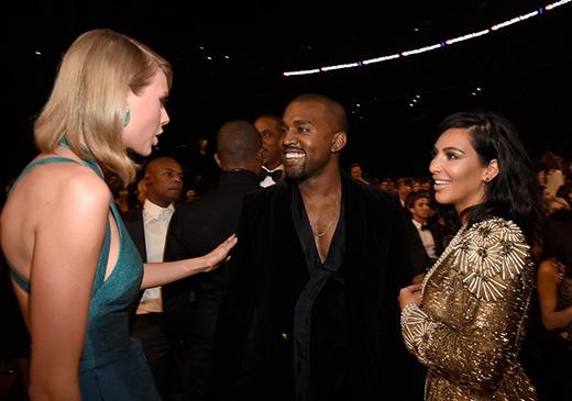 Taylor Swift, Kanye West và Kim Kardashian trò chuyện không ngừng