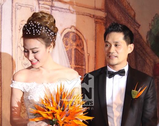 Nụ cười hạnh phúc của 2 vợ chồng Ngân Khánh. - Tin sao Viet - Tin tuc sao Viet - Scandal sao Viet - Tin tuc cua Sao - Tin cua Sao