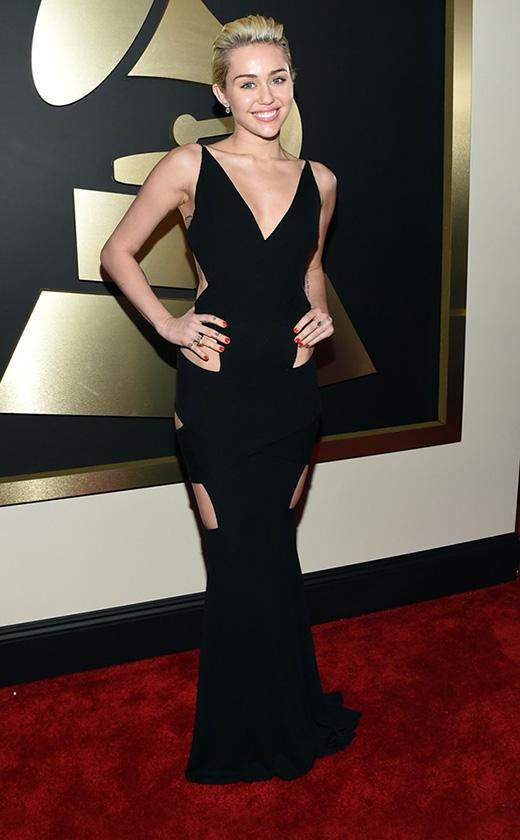 Miley Cyrus kín đáo lạ thường