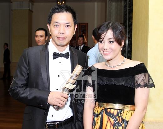 Phương Trinh Jolie nổi bật cùng xích lô, Thái Hòa đi cùng vợ trẻ đến đám cưới - Tin sao Viet - Tin tuc sao Viet - Scandal sao Viet - Tin tuc cua Sao - Tin cua Sao