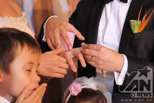 Cận cảnh nhẫn cưới kim cương 1,8 tỷ đồng của Ngân Khánh - Tin sao Viet - Tin tuc sao Viet - Scandal sao Viet - Tin tuc cua Sao - Tin cua Sao