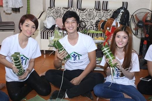 Mai Thu Huyền, Huỳnh Anh và Lily Luta hạnh phúc vì làm những hành động có ích.