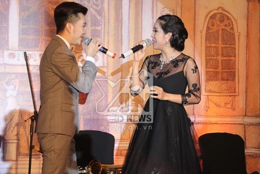 Trang Nhung vác bụng bầu dự đám cưới Ngân Khánh - Tin sao Viet - Tin tuc sao Viet - Scandal sao Viet - Tin tuc cua Sao - Tin cua Sao
