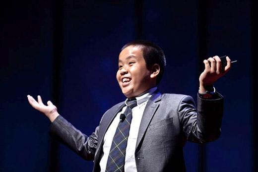 Cậu bé Đỗ Nhật Nam ngày càng trưởng thành và đạt được nhiều thành tích trên đất Mỹ.