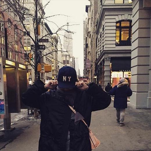 Sooyoung thích thú khi ở New York và tạo dáng cực khó đỡ