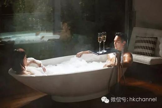 Xôn xao vì cảnh tắm nóng bỏng của Quách Tĩnh đẹp trai nhất