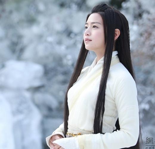 Tiểu Long Nữ Trần Nghiên Hy thoát tục tinh khôi khi có tuổi