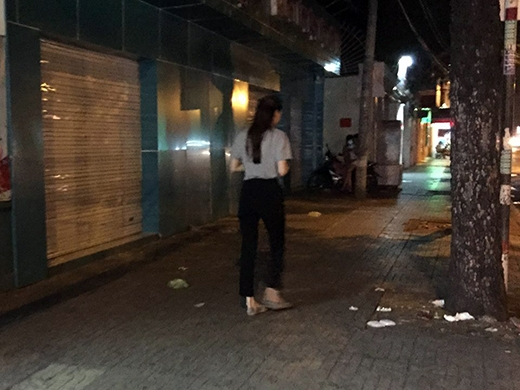 Là một nhạc sĩ và cũng là người anh em gắn bó lâu năm cùngHồ Ngọc Hà, sau khi nghe tin,Nguyển Hồng Thuậnđã tức tốc chạy đến nhà hỏi han tình hình và cùngHà Hồđến bệnh viện thăm hỏi nạn nhân.