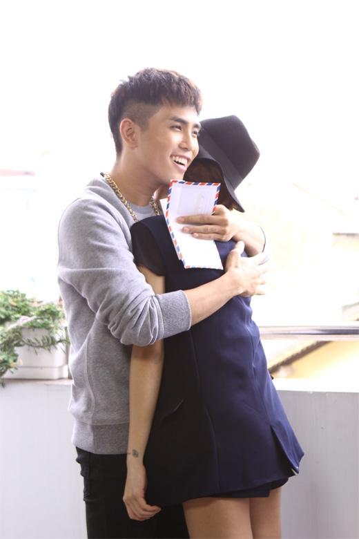 Will tình cảm với Yumi Dương trong một hoạt cảnh về chuyện tỏ tình của con trai con gái