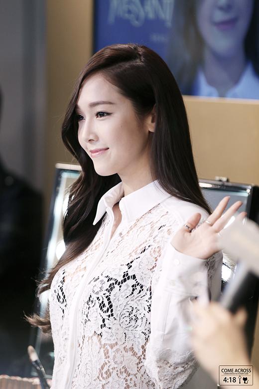 Jessica sẽ cùng em gái Krystal sát cánh trong tương lai