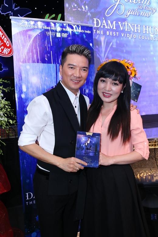 Hà Vân cũng đến chúc mừng thành công của sư phụ - Tin sao Viet - Tin tuc sao Viet - Scandal sao Viet - Tin tuc cua Sao - Tin cua Sao