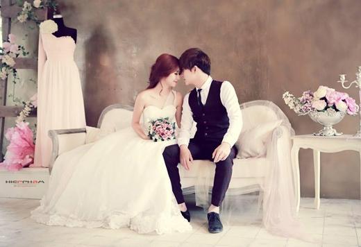 Cùng nhau chụp ảnh cưới.