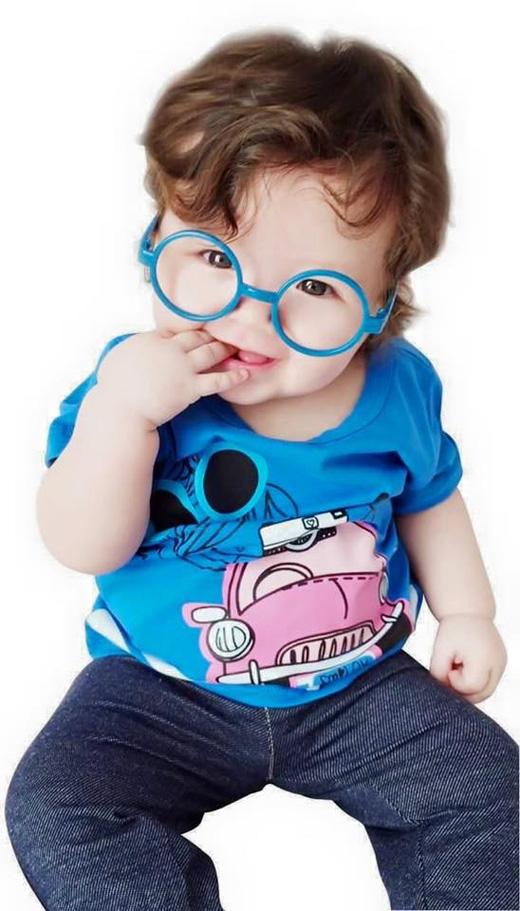 Candice còn được chọn làm người mẫu cho nhiều thương hiệu quẩn áo trẻ em lắm đó. - Tin sao Viet - Tin tuc sao Viet - Scandal sao Viet - Tin tuc cua Sao - Tin cua Sao