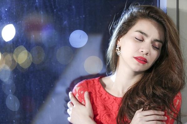 Hà Hồ hủy hết show diễn để lo cho nạn nhân gặp tai nạn - Tin sao Viet - Tin tuc sao Viet - Scandal sao Viet - Tin tuc cua Sao - Tin cua Sao