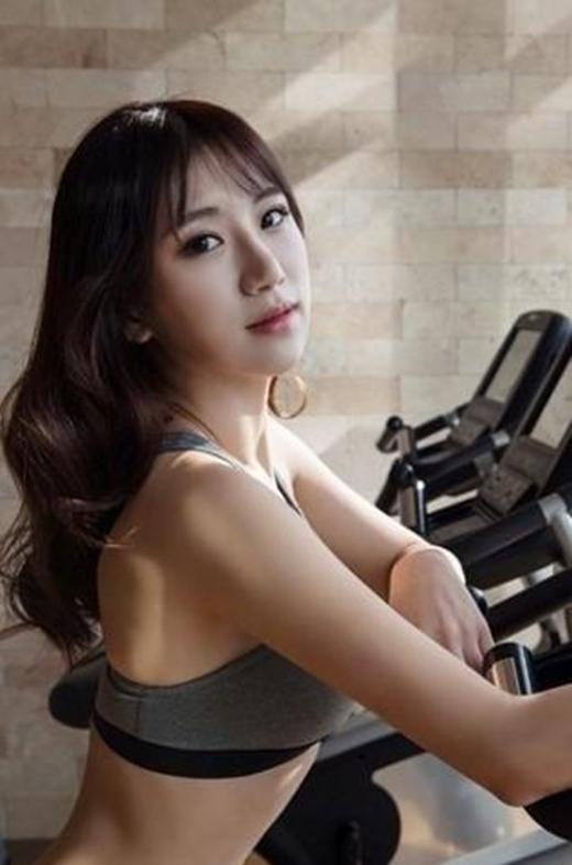 Ngất ngây với đường cong của mỹ nữ 9X xứ Hàn