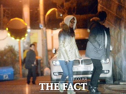 Hình ảnh được cho là hẹn hò của Kim So Eun và Son Ho Joon bị truyền thông bắt gặp.