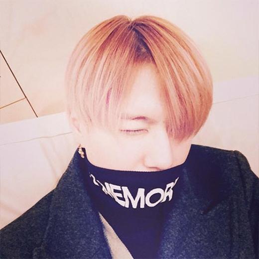 Yugyeom (GOT7) khoe ảnh đá lông nheo khiến fan ngất ngây.