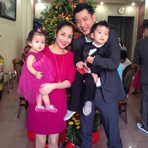 Gia đình lớn với ba đứa con được đặt tên rất dễ thương là Coca, Cola và Cacao. Bé Cacao vừa chào đời ngày 8/2. - Tin sao Viet - Tin tuc sao Viet - Scandal sao Viet - Tin tuc cua Sao - Tin cua Sao