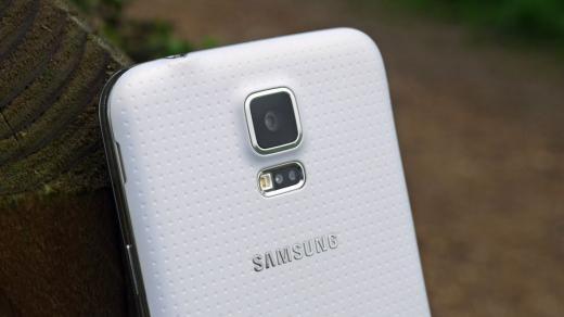 """Samsung Galaxy S6 sẽ có camera chuyên nghiệp """"vượt mặt"""" iPhone 6"""