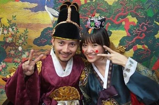 Chụp ảnh trong bộ đồ hanbok truyền thống Hàn Quốc. - Tin sao Viet - Tin tuc sao Viet - Scandal sao Viet - Tin tuc cua Sao - Tin cua Sao