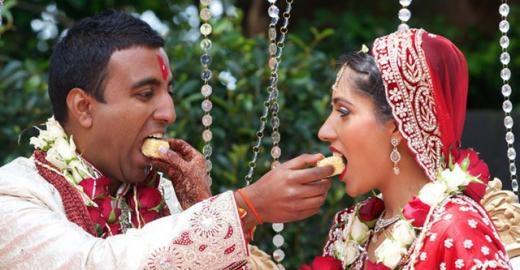 Ấn Độ: Tỏ tình trên mạng xã hội trong ngày Valentine là phải... cưới