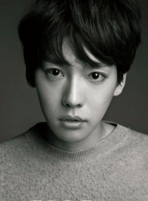 Jinwoo (Winner)sở hữu giọng gió cao nhưng bị chê là không mấy nổi bật. Điểm yếu lớn nhất của anh chàng là thiếu tự tin, có lẽ đó cũng là lý doJinwookhông thể phô diễn hết chất giọng của mình trên sân khấu.