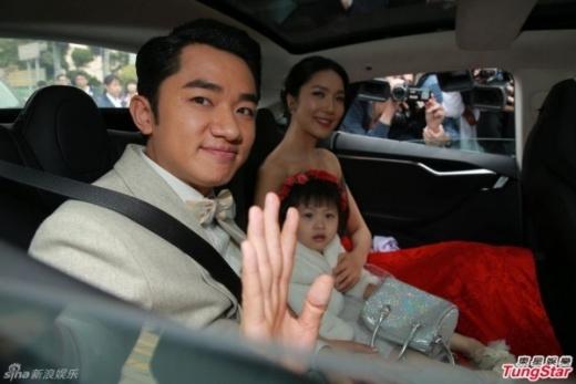 [Tết 2015] Tưng bừng đám cưới của đôi đũa lệch Vương Tổ Lam và Lý Á Nam