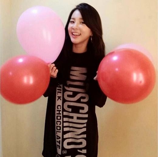 Dara tươi rói trong ngày lễ tình nhân.
