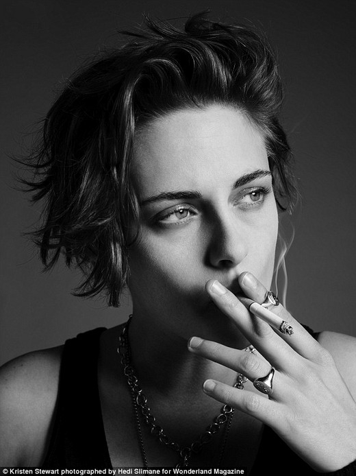 """[Tết 2015] Fan phát cuồng vì độ """"manly"""" của Kristen Stewart"""