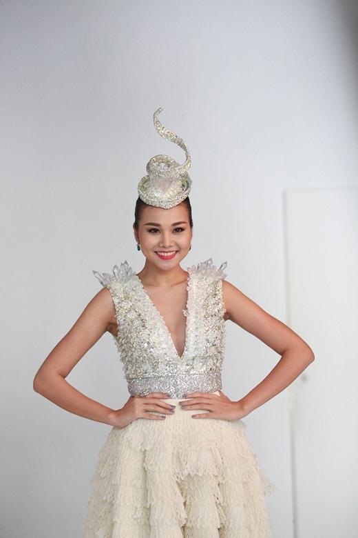 [Tết 2015] Thanh Hằng: Kỳ Kỳ là tổng hợp thị phi của showbiz Việt - Tin sao Viet - Tin tuc sao Viet - Scandal sao Viet - Tin tuc cua Sao - Tin cua Sao
